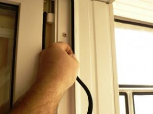 Как самостоятельно заменить уплотнитель ПВХ-окна