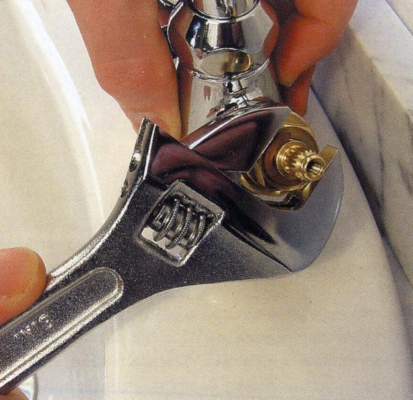 Ремонт крана с клапаном