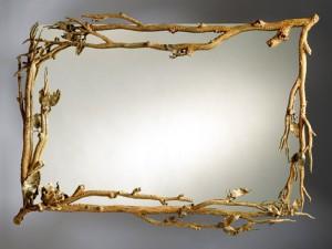 в оформлении дома является зеркало